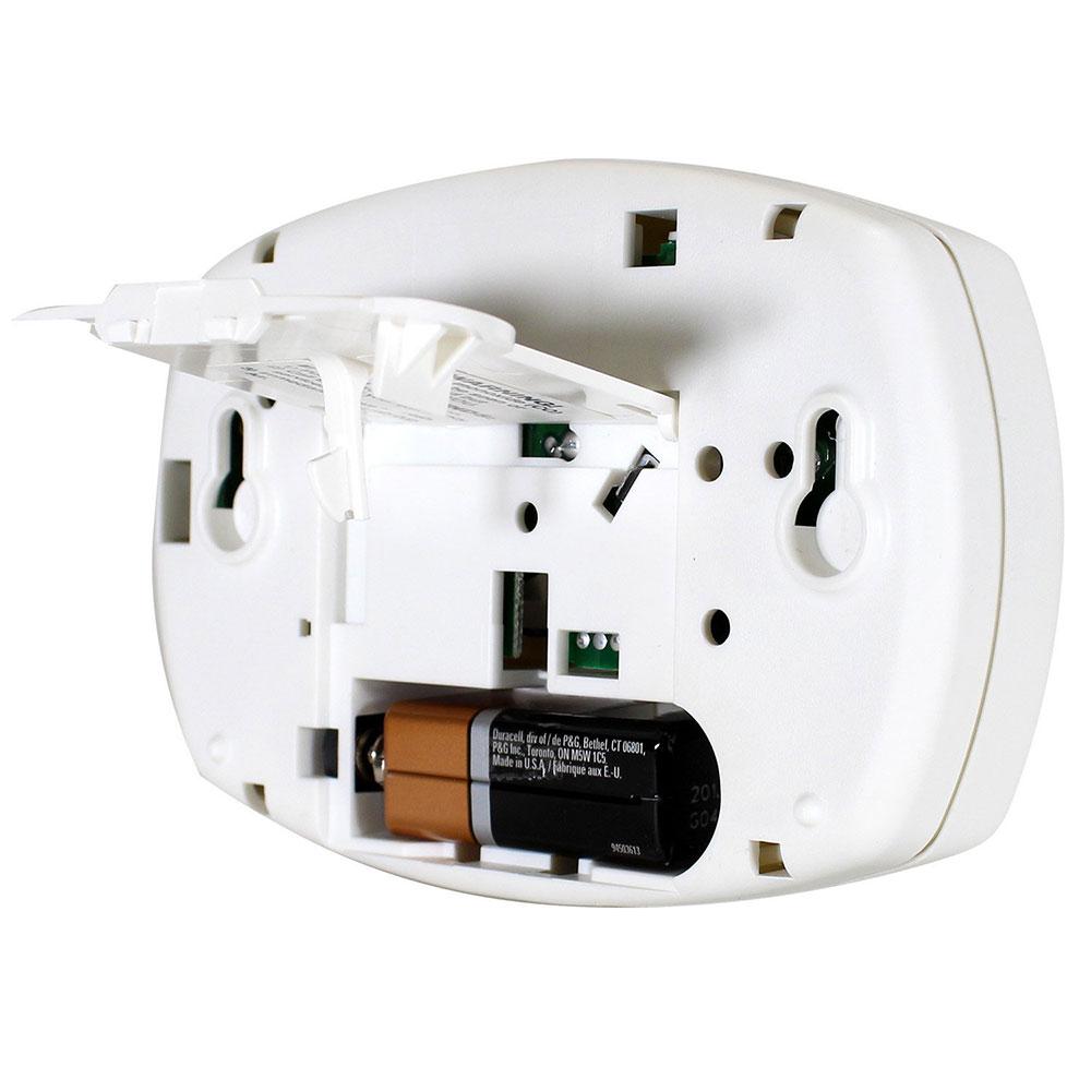 carbon monoxide alarm carbon monoxide detector basic battery operated carbon monoxide alarm. Black Bedroom Furniture Sets. Home Design Ideas