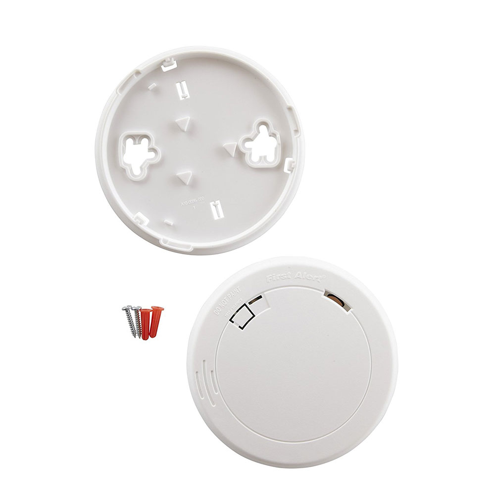 First Alert Slim Design Battery-Operated Photoelectric Smoke & Fire Alarm - PR700 (1039772)