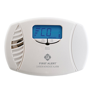Plug-In Carbon Monoxide Alarm with Battery Backup & Backlit Digital Display